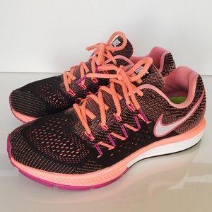 Nike Air Zoom Vomero 10 Black/HotPink Size #9